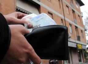 Tasse. Gli italiani pagano 600 euro in più rispetto agli altri Paesi europei