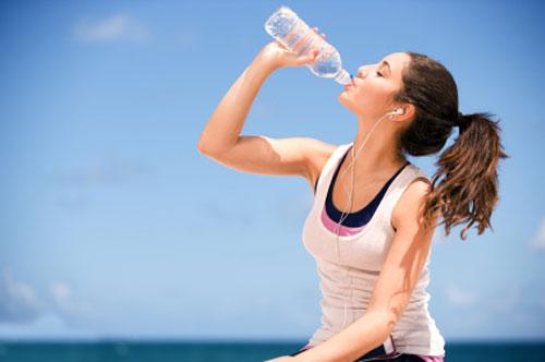 La Dieta dell'acqua per perdere peso in poco tempo