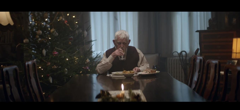 Come può fare un nonno a riunire attorno a sé tutta la famiglia per Natale?