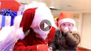 La bimba è sordomuta: Ma Babbo Natale conosce linguaggio segni
