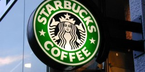 Starbucks contro gli sprechi: Donerà il cibo invenduto