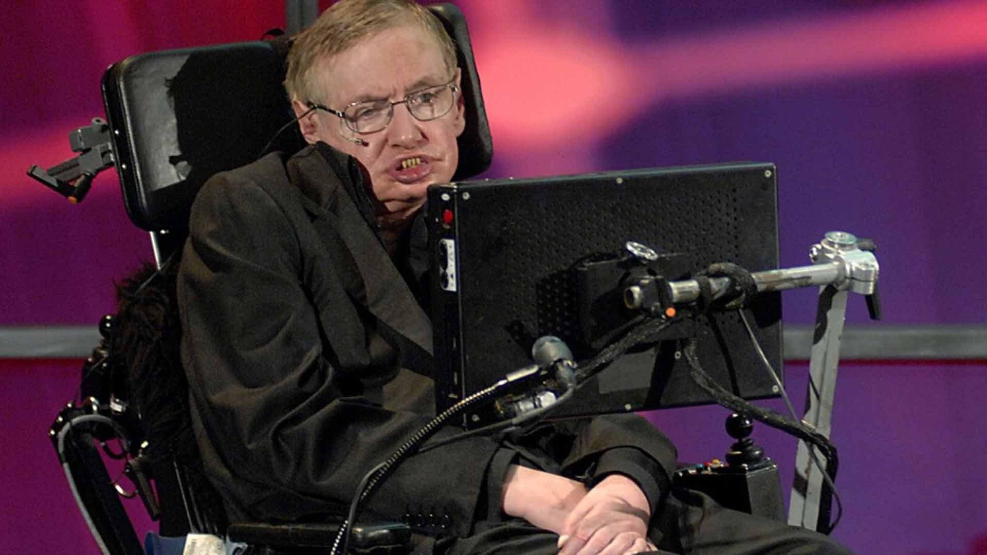 Online la tesi di dottorato di Stephen Hawking. Un record di download
