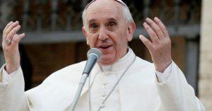 Papa Francesco ai giovani: 'La vita non è una App'