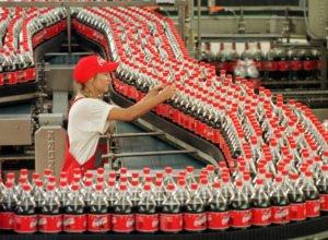 Manca lo zucchero in Venezuela. Coca-Cola ferma la fabbrica
