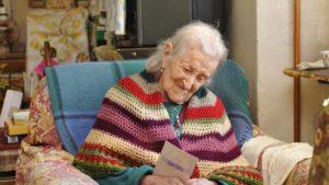 I segreti della donna più vecchia d'Europa: 'Uova crude ed essere single'