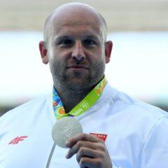Vende l'argento di Rio per salvare dal cancro un fan di 3 anni