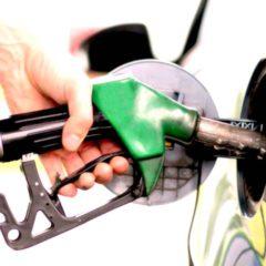 Sale il prezzo della benzina. Sulle autostrade punte fino a 2 euro al litro