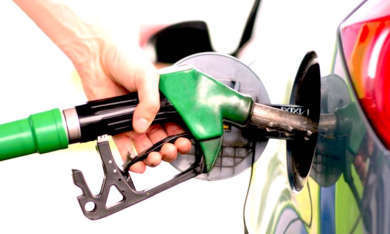 Carburanti, da oggi in vigore le nuove etichette europee