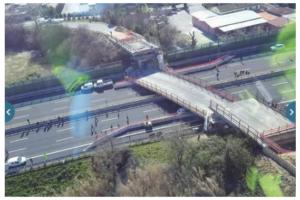 Crolla un ponte sulla A14 Due morti e due feriti