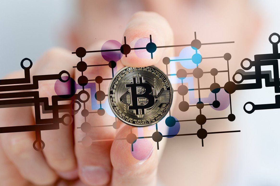 Nuovo record Bitcoin sfonda quota 5000