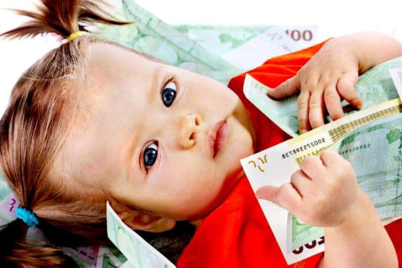 Il 'Bonus figli' in arrivo per Natale: 150 euro fino a 25 anni di età