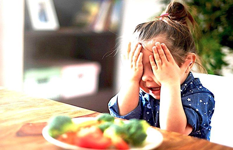 I pediatri bocciano la dieta vegana: 'non è sufficiente'