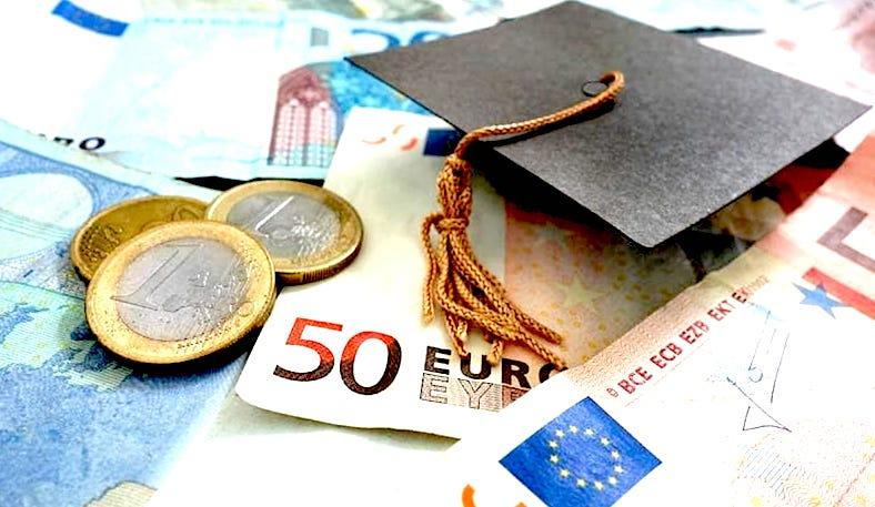 Riscatto della laurea ai fini pensionistici. Vediamo chi dovrebbe farlo