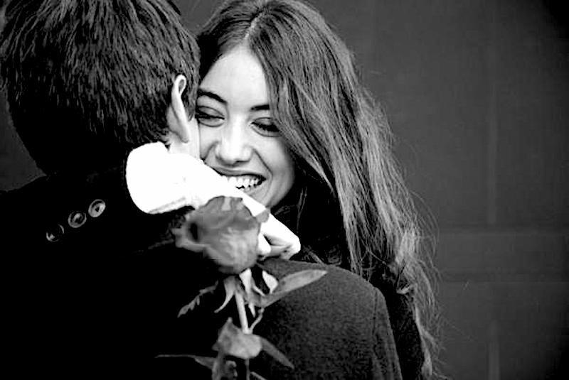 L'amore a prima vista non esiste. Si tratta solo di desiderio o di un falso ricordo