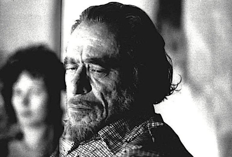 Bukowski 'bisogna essere coraggiosi per aprire il cuore e donarlo a qualcuno'