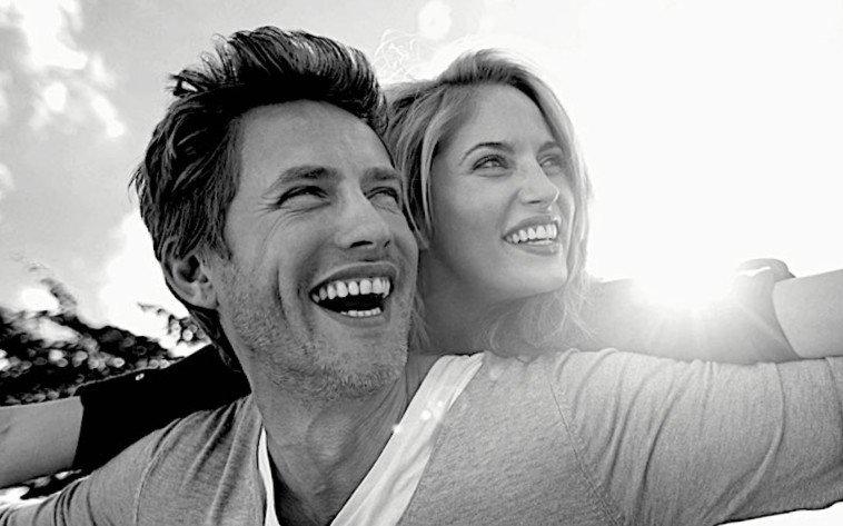 Vuoi essere felice? Cambia partner ogni e 5 anni. Ecco il motivo