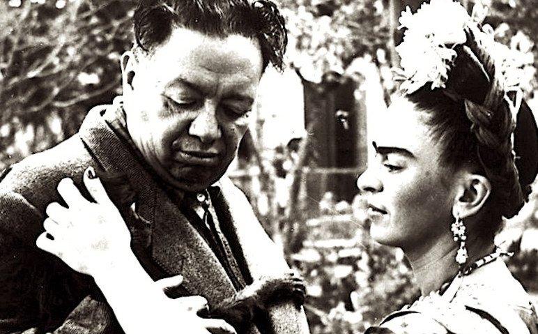 Frida Kahlo e l'amore: 'Scegli una persona che ti guardi come se fossi una magia'