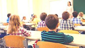Vaccini, da oggi a scuola si entra solo con il certificato