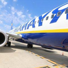 Ryanair. Stop a viaggi gratis per neonati: 25 euro a bambino sotto i 2 anni