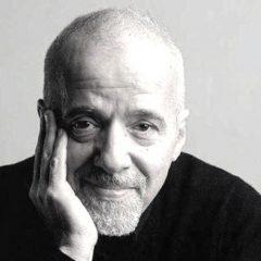 Coelho: 'Il vero amore lo riconosci in un paio d'occhi che ti guardino come nessuno ha fatto mai'