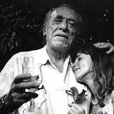 Bukowski: 'Una delle migliori sensazioni al mondo è quando abbracci qualcuno e lui ricambia'