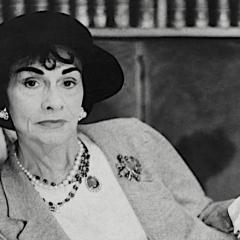 Chanel: 'La bellezza serve alle donne per essere amate, la stupidità per amare gli uomini'