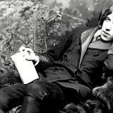 Oscar Wilde: 'Chi, sentendosi amato, è povero? Oh, nessuno'