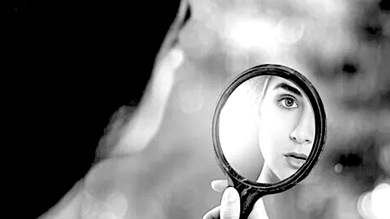 Come riconoscere un narcisista. Le 10 cose da notare