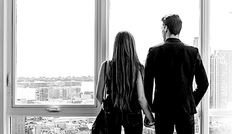 Avere una relazione stabile ma ognuno a casa sua. E' possibile?
